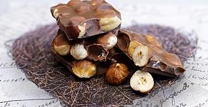Evde Fındıklı Çikolata Nasıl Yapılır